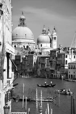 город италий черно белое фото
